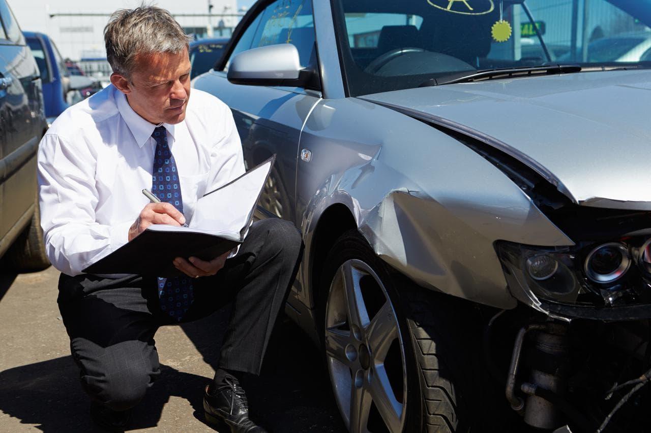 Битые авто от страховых компаний, аукционы, порядок продажи и покупки